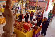 2020-02-23 二月初一 霹雳观音洞理事会成员及佛友一起诵经、上供及将功德回向一切众生,祈愿世界和平、国泰民安,诸事吉祥、平安健康。